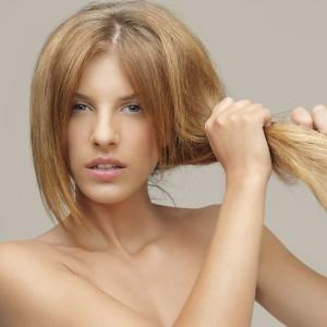 reparer_cheveux_abimes_apres_ete